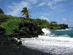 "The Most Beautiful Beaches - Punalu'u Beach, Hawaii (""Black Sand Beach"") Black Sand Beach Hawaii, Maui Beach, Maui Hawaii, Hawaii Flag, Most Beautiful Beaches, Beautiful Places To Visit, Dream Vacations, Vacation Spots, Hawaii Vacation"