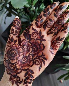 Traditional Bridal Henna Mehandi Designs 65 New Ideas Modern Henna Designs, Mehndi Designs Book, Indian Mehndi Designs, Mehndi Designs For Beginners, Mehndi Designs 2018, Mehndi Designs For Fingers, Wedding Mehndi Designs, Mehndi Design Pictures, Beautiful Henna Designs