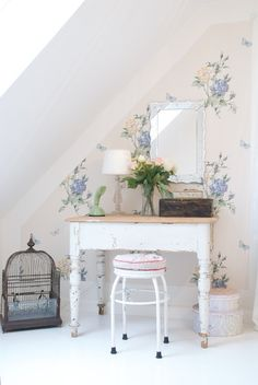 Shabby Cottage Chic Maine within Home Decorators Collection Naples unlike Shabby Chic Homes Pinteres Shabby Chic Mode, Estilo Shabby Chic, Shabby Chic Living Room, Shabby Chic Interiors, Shabby Chic Bedrooms, Shabby Chic Kitchen, Shabby Chic Style, Shabby Chic Furniture, Shabby Chic Decor