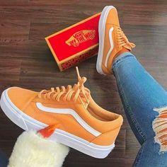 Oranje of geel? Sneakers Mode, Cute Sneakers, Vans Sneakers, Vans Shoes, Sneakers Fashion, Fashion Shoes, Cute Vans, Aesthetic Shoes, Fresh Shoes