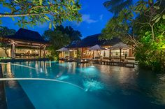 Bali recommendation Beautiful villa in Seminyak near the beach and great restaurants. Beautiful Villas, Great Restaurants, Luxurious Bedrooms, Luxury Villa, Bali, Mansions, House Styles, Travel, Home Decor