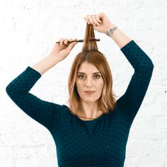 This Is the 1 Trick You Need to Make Every Hairstyle Look Better - Brit + Co Heatless Hairstyles, Loose Hairstyles, Straight Hairstyles, Medium Hair Styles, Short Hair Styles, Back Combing, Half Ponytail, Voluminous Hair, Short Straight Hair