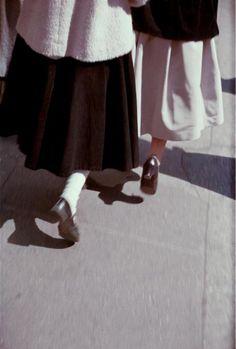 casadabiqueira:  Black and White  Saul Leiter, c. 1949