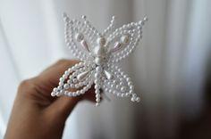 Tembleque con perlas blancas en forma de mariposa por LolaHoney21