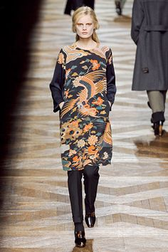 And I'd totally wear this dress too.  #DriesVanNoten #Paris #FashionWeek