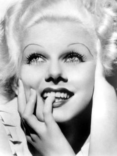 Jean Harlow - A platinum blonde sex symbol & able comedian in 1930's Hollywood #JeanHarlow #Harlow