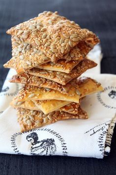 ay-cekirdekli-galeta Healthy Soup Recipes, Great Recipes, Gluten Free Recipes, Dirt Cake, Pastry Cake, Bread Baking, Granola, Dessert Recipes, Desserts