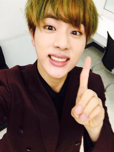 BTS Twitter [151216] Trans @bts_twt : #HandsomeJin #FunnyJin who's feeling good because (we won) 1st place. Thank you, ARMY [JIN]