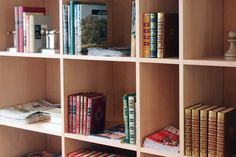 Bibliothèque du New Hotel Lafayette Lafayette Paris, Stores, Location, Shelving, Bookcase, The Unit, Home Decor, Shelves, Decoration Home