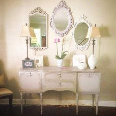 Paloma is such a beautiful and often underused colour. I think it brings a touch of Paris to my home. I adore this pretty buffet. Paloma, Annie Sloan Gold Size and Silver leaf, clear and dark wax. The mirrors are also Paloma, Old Ochre and Old White. https://www.facebook.com/pages/Annie-Sloan-Canada-31-Days-of-Chalk-Paint/866453600056134?fref=ts
