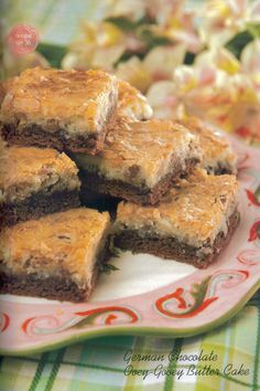 German Chocolate Ooey-Gooey Bars - Omit coconut and add chocolate chips! To die for! German Chocolate Brownies, Chocolate Butter, Chocolate Cake Mixes, Chocolate Chips, Great Desserts, Delicious Desserts, Cake Mix Recipes, Dessert Recipes, Dessert Ideas