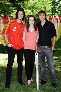 Ben Barnes, Anna Popplewell, and William Mosely