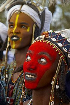 Wodaabe (Bororo) man with his face painted at the annual Gerewol male beauty contest, a general reunion of West African Wodaabe Peuls (Bororo Peul), Niger, West Africa, Africa