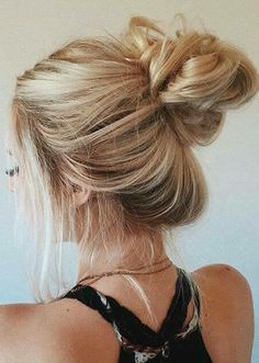 We've been looking for the most versatile solution when it comes to hair. The result is probably no surprise to anyone: buns are the perfect solution either we're having a bad hair day, going to the gym or to a… Continue Reading → Cute Hairstyles For Teens, Messy Bun Hairstyles, Cool Hairstyles, Hairstyle Ideas, Quick Easy Hairstyles, Lazy Girl Hairstyles, Teen School Hairstyles, Easy Hairstyles For Medium Hair For School, Hair Ideas For School