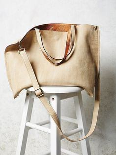 Slouchy Vegan Tote... a great alternative to the madewell totes... and for a fraction of the price! (not to mention they're vegan!) www.thecheekyedge.com