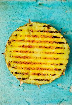 Grill ananasen og få smaken av det tropiske! Grilling, Pineapple, Red Peppers, Crickets