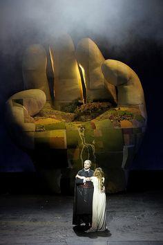 Bluebeard's Castle, Muziektheater, Amsterdam, 2010Gábor Bretz (Duke Bluebeard) & Elen a Zhidkova (Judith)