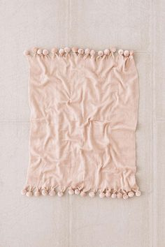 Pyper Pom Pom Throw Blanket