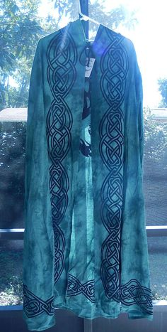 Tree of Life Cotton Green and Black Wiccan Pagan Ritual Robe Hooded Green and Black Robe with Celtic Knot Design Border. The back of the cloak features a beautiful Tree of Life and Crescent Moon. Arm