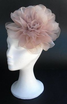 Items similar to Pale pink (dust pink) fascinator, bridal fascinator with big pink and black organza flowers on Etsy Sombreros Fascinator, Fascinator Headband, Fascinators, Headpieces, Tea Party Hats, Millinery Hats, Cocktail Hat, Fancy Hats, Diy Hat