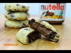 Nutella chocolate chip cooks are simple to make and incredibly delicious. This recipe uses a very easy cookie recipe, semisweet chocolate chips, and a nutella filling. Very Easy Cookie Recipe, Easy Cookie Recipes, Easy Desserts, Sweet Recipes, Dessert Recipes, Easy Recipes, Nutella Chocolate Chip Cookies, Chocolate Chips, Nutella Recipes