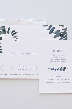 De Aquaverde trouwkaart met zijn minimalistische aquarelillustratie van eucalyptus is perfect voor toekomstige bruidsparen die op zoek zijn naar eenvoudig, elegant drukwerk voor hun grote dag. 28 Mai, Place Cards, Eucalyptus, Place Card Holders, Day, Wedding, Elegant, Decoration, Simple