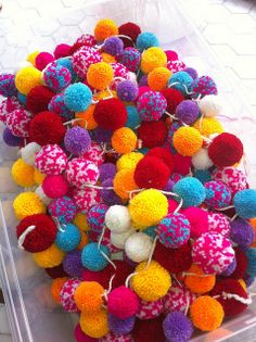 Time to make colorful pompoms to cheer up any room and celebrate spring and summer! | Anahata Katkin Flickr