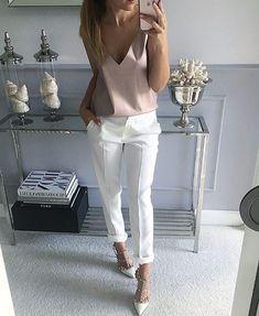 "Instagram media by advogadacomestilo - Marque suas amigas que também são ""advogadas com estilo""❗️ . . . . . . .  #advogadacomestilo #advogata #advogada #work #lookoftheday #looktrabalho #lookdetrabalho #lawyer #law #ootd #fashion #fashionista #look #direito #moda #estilo #escritorio #office #regram #bomdia"