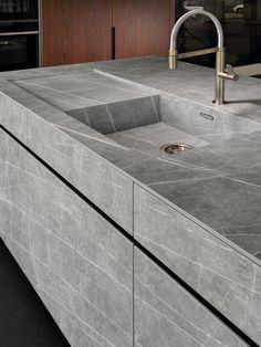 Choosing a New Kitchen Sink Kitchen Sink Design, Modern Kitchen Cabinets, Modern Kitchen Design, Home Decor Kitchen, Modern Interior Design, Interior Design Kitchen, Kitchen Countertops, Kitchen Sinks, Stone Kitchen Sink