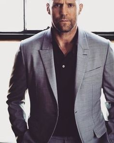 Image shared by Vivier. Find images and videos about handsome, cars and Jason Statham on We Heart It - the app to get lost in what you love. Jason Statham, Rosie And Jason, Bald Men Style, Hot Guys, Hot Men, The Expendables, Kelly Brook, Rosie Huntington Whiteley, Fashion Mode