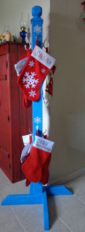 A diy blog featuring building painting and sewing projects stocking holder httpsnonnymoosewordpresstagchristmas solutioingenieria Image collections