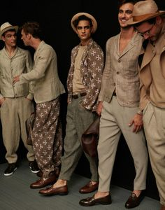 giorgio armani spring/summer 17 at milan mens fashion week - Men's style - Milan Men's Fashion Week, Mens Fashion Week, Fashion Trends, Giorgio Armani, Emporio Armani, Jessica Parker, Look Man, Stylish Mens Fashion, Fashionable Outfits