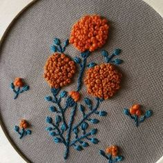 #embroidery #floralembroidery #yumikohiguchi #embroideredflowers