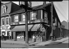 Queen and Ontario, NW corner. No corner Now. Then And Now Pictures, Historical Photos, Ontario, Toronto, Past, Canada, Mansions, History, Street