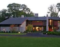Eclectic Home Design in Super Fascinating Appearance : Modern Landscape View With Green Lawn Awesome Ottawa Hills