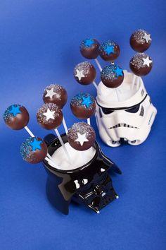 Galaxy Cake Pops  Création : LITTLE - Petits Gâteaux Crédit : Asphodel