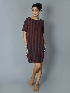 Black Maroon Cotton Shift Dress – The Loom Kurti Designs Party Wear, Kurta Designs, Blouse Designs, Frock Fashion, Fashion Dresses, Frocks And Gowns, Indian Designer Wear, Cotton Dresses, Pretty Dresses