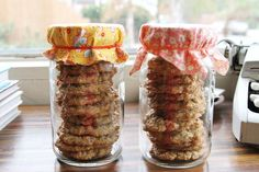Cookie gifts in mason jars.