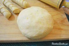 Aprende a preparar masa para tequeños con esta rica y fácil receta. Los tequeños son una comida típica venezolana, muy parecida a los dedos de queso, que se utiliza...