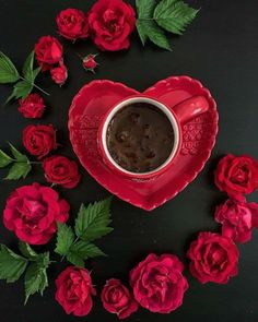 Good morning red for you . I miss you a nice day … - All Recipes Coffee Heart, Coffee Girl, My Coffee, Coffee Images, Coffee Pictures, Coffee Cafe, Coffee Drinks, Pause Café, Good Morning Coffee