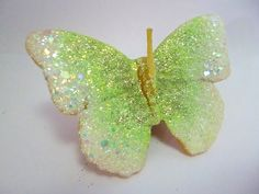 SCHMETTERLINGS - KERZE - BUNT    im Organza Beutel mit von Herzen Label tolles Geschenk     mit Glitzer in weiß perlmutt mit zarten leuchtenden kiw...