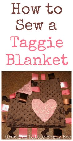 Learn how to make this easy taggie blanket to give as a gift at your next baby shower! A cute Christmas sewing pattern idea tutorial. DIY this holiday season, Baby Sewing Projects, Sewing Projects For Beginners, Sewing For Kids, Free Sewing, Sewing Hacks, Sewing Tips, Rag Wreath Tutorial, Tag Blanket Tutorial, Smocking Tutorial