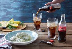 Λαχανοντολμάδες με αυγολέμονο και κρέμα-featured_image Food Categories, Coca Cola, Alcoholic Drinks, Chicken, Meat, Greek, Cooking, Recipes, Parties