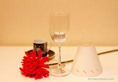 copa y pantalla DIY http://formulasydreams.com/2014/01/03/diy-lamparita-para-lucir-bien-bonita-nuestra-mesa/