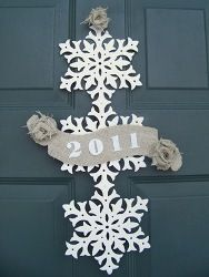 Upcycled New Years Door Decor | AllFreeHolidayCrafts.com
