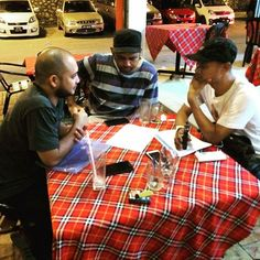 Neves Cugat @nevespugly -  Meeting with the directors for my upcoming MV. @perezoldskool & Cliq #b #bforbongok #nevescugat #musicvideo #cdbagasimusic #malaysianartistes #emimalaysia #lokal #Regrann