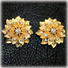 Unsigned Beauties Textured Gold Tone Rhinestone Flower Earrings