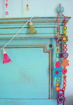 turquoise home design decorating design Turquoise Headboard, Turquoise Bed, Blue Headboard, Aqua, Teal, Deco Boheme, Shades Of Turquoise, Beautiful Interior Design, Delft