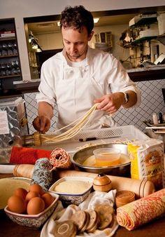 Giulia is an intimate neighborhood Italian restaurant located between Harvard and Porter Squares in Cambridge.