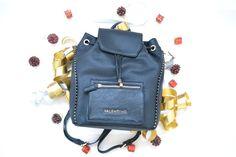Regalos chica bolso Valentino. #idea #regalo #valentino #bag https://www.zapatosmayka.es/es/catalogo/complementos/valentino/bolsos-unisex-bandolera/mochila/084020155791/valentino-vbsor906